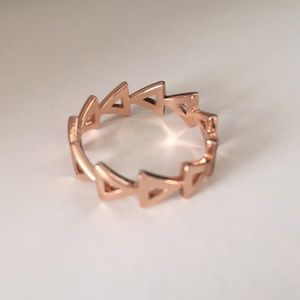 Jewelry - Rose gold band ring size 7